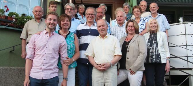 Neuer Führungsstil im Rathaus und weniger Prestigeprojekte im Kreis. Bürgermeister- und Landratskandidat/in motivieren Winz-Baaker Wahlkämpfer.