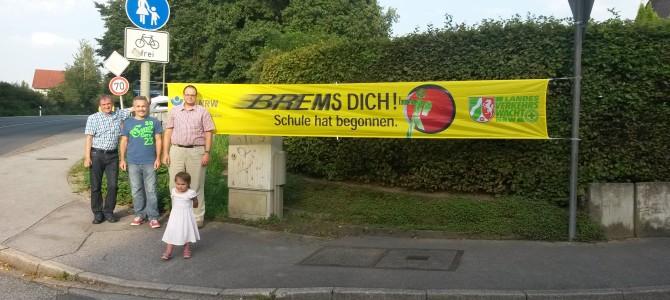 """CDU Holthausen hängt """"Brems dich!""""-Banner auf"""