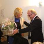 Barbara Niemann wird vom Bürgermeister Dirk Glaser in der Ratssitzung am 1.12.2016 verabschiedet.