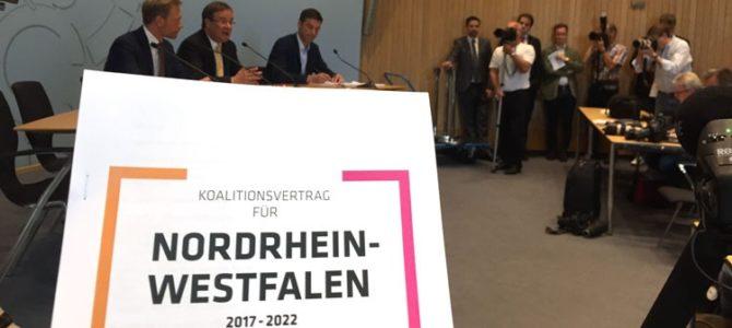 CDU und FDP stellen Koalitionsvertrag für NRW vor